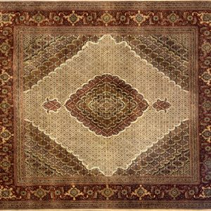 "Tabriz square 8' 3"" by 8' 5"" rug with medallion pattern from India - Beige & Rust"